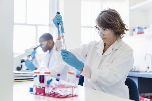 I ricercatori pronti a dare una mano nella lotta al Covid-19