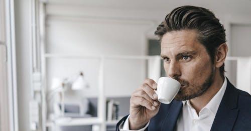 """L'etichetta """"cancerogeno"""" sul caffè? Meglio di no"""
